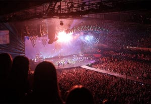 concert_arena_photo-1449748040579-354c191a7934_700x483