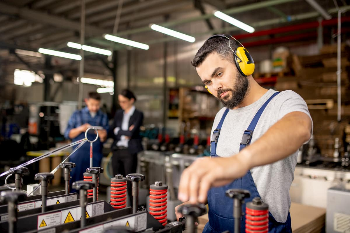 Top Employee Retention Takeaways from the American Manufacturing Summit